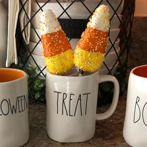 RAE DUNN TREAT MUG 2019. Brand new without flaws